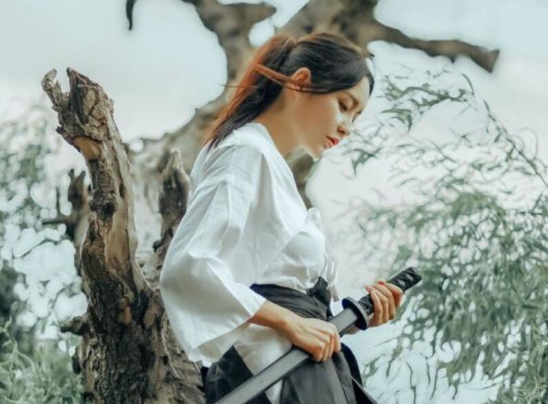 星辰书居《烈血狂枭》最新章节:  微妙的心态【范建